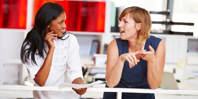 Ilustrasi tenang bicara dengan bos