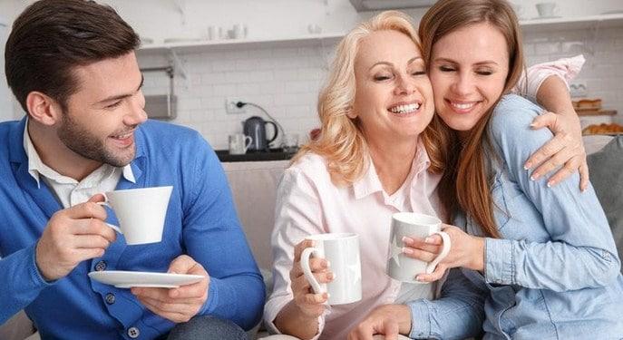 tips tinggal serumah dengan mertua