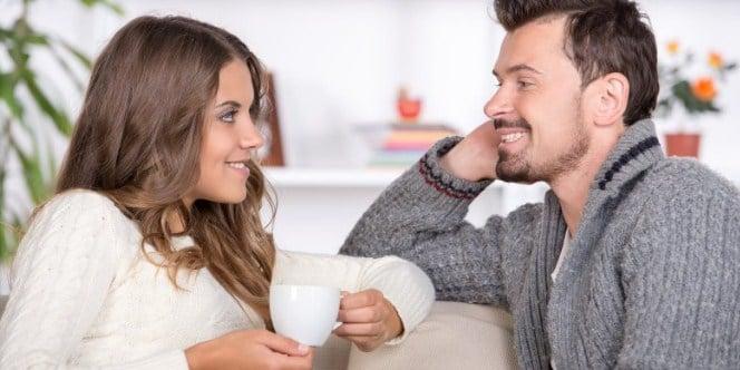 Istri mengekspresikan cinta pada suami
