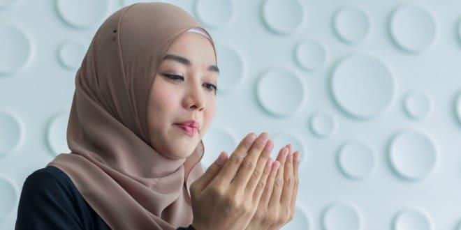 istri mendoakan suami
