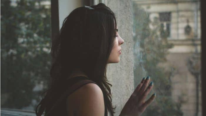 cara mengatasi trauma jatuh cinta