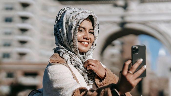 Pakai hijab simpel
